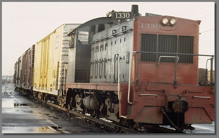 SP switcher, West Oakland SP yard, December 1977